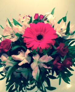 Kytice - gerbera, astromerie a minirůže - rozvoz květin Olomouc