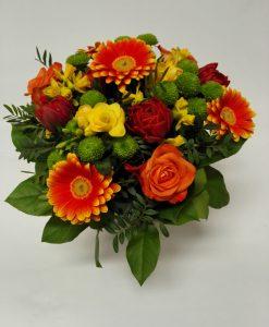 5 minigerber, 4 santinek, 4 frezií, 4 tulipánů 4 narcisů
