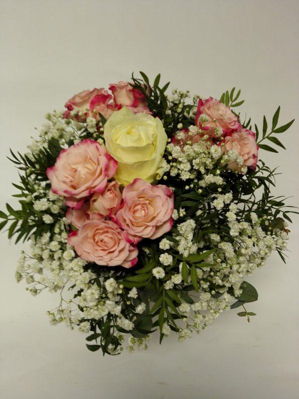 Růže s minirůžičkami. Rozvoz květin Olomouc