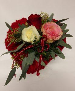 Srdce se třemi růžemi - rozvoz květin olomouc