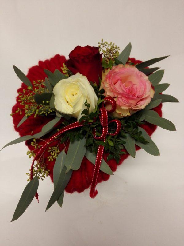 Srdce se třemi růžemi – rozvoz květin olomouc