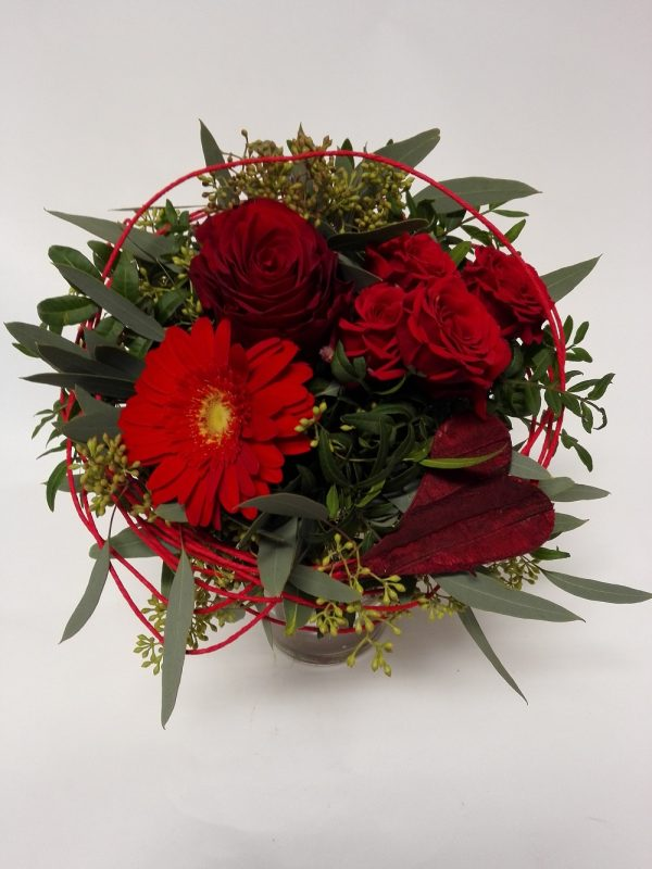 Červený mix ruze a minirůže – rozvoz květin Olomouc