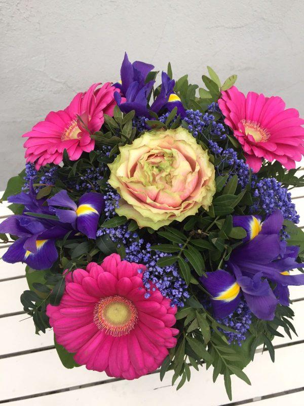 růže a irisy
