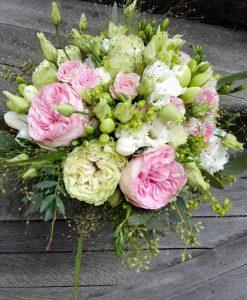 Svatební kytice s růžemi odrůdy David Austin