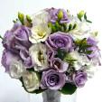 Fialové růže a bílá eustoma